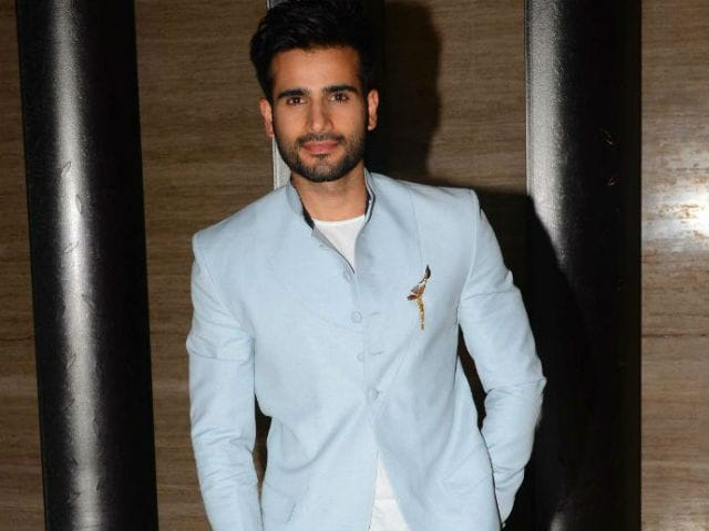 Nach Baliye 8: Karan Tacker Replaces Karan Singh Grover As Host