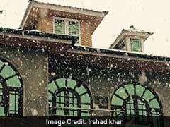 मौसम का मिजाज : श्रीनगर से वैष्णो देवी तक पहाड़ों पर बिछी बर्फ की सफेद चादर