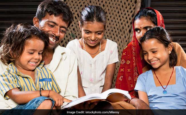Retired Police Officer Launches Literacy campaign 'Angootha Saaf' In Madhya Pradesh