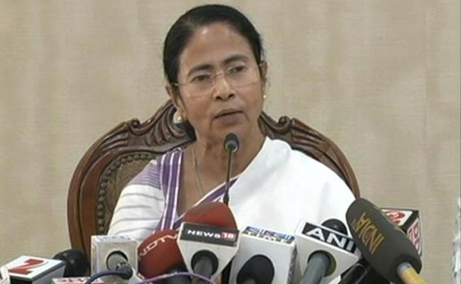 Mamata Banerjee Jumps Into EVM Controversy, Wants An All-Party Meeting