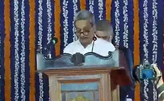 मनोहर पर्रिकर बने गोवा के मुख्यमंत्री, विधानसभा में गुरुवार को शक्ति परीक्षण