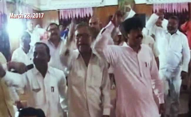 For Not Singing Vande Mataram, Muslim Councillors In Uttar Pradesh's Meerut Face Expulsion