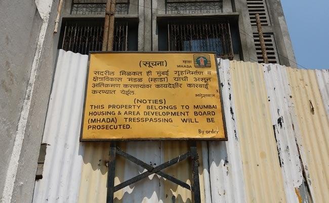 मुंबई में अब म्हाडा का आदर्श घोटाला? सरकारी बाबुओं के लिए बिना पूरी इजाजत लिए बांध दी इमारत