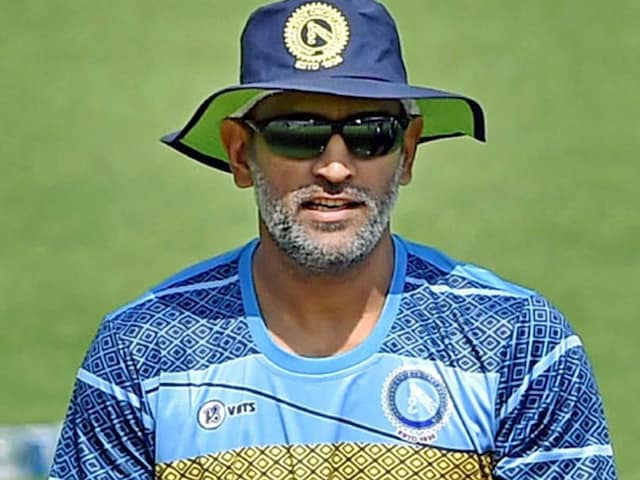 MS Dhoni Surprises Jammu And Kashmir Cricketers With Dressing Room Visit