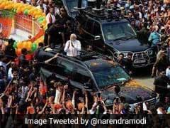 वाराणसी में पीएम नरेंद्र मोदी के रोड शो के दौरान समाजवादी पार्टी और बीजेपी कार्यकर्ताओं में होते-होते बची भिड़ंत