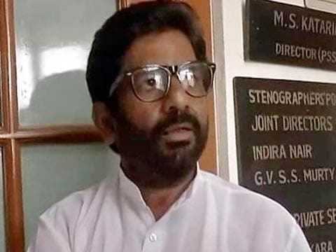 Sena MP Gaikwad\'s ticket for tomorrow cancelled by Air India: reports