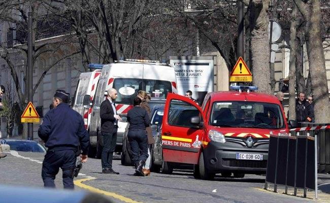 पेरिस : आईएमएफ दफ्तर में फटा पार्सल बम, महिला घायल