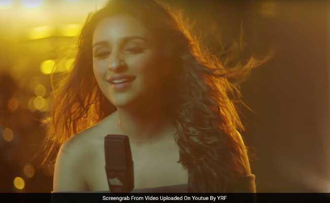 'मेरी प्यारी बिंदू' में परिणीति चोपड़ा ने गाया अपना पहला गाना, 'माना के हम यार नहीं...'
