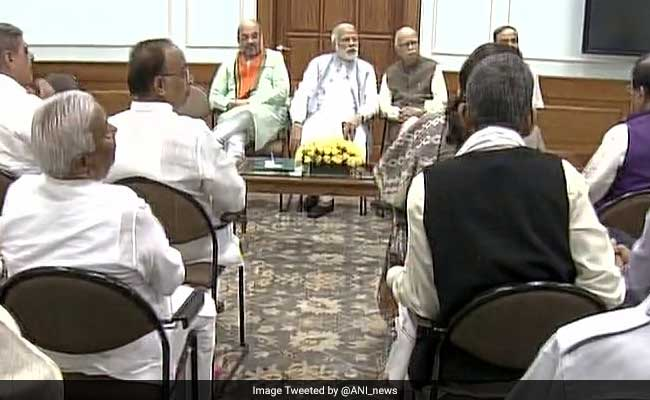 PM Narendra Modi's Breakfast With Gujarat Lawmakers Including LK Advani