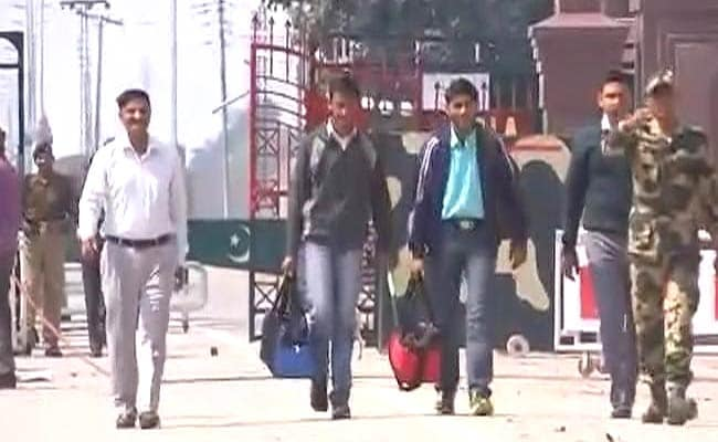 2 Teenagers From PoK, Arrested After Uri Attack, Handed Over To Pakistan