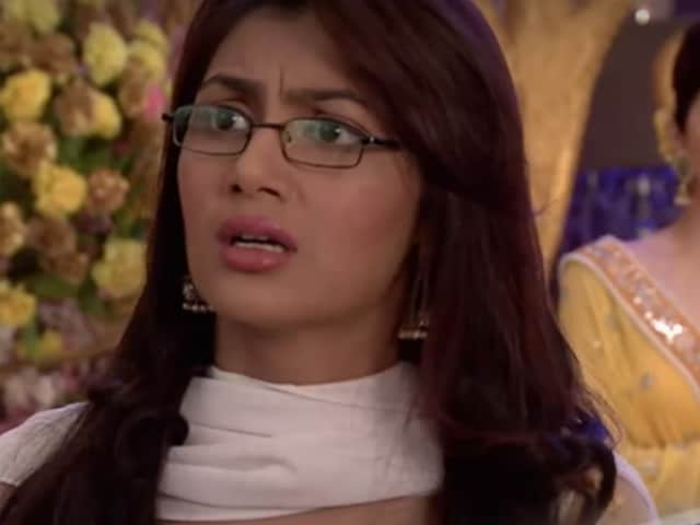 Kumkum Bhagya, March 2, Written Update: Pragya, Abhi Get A Call From The Hospital