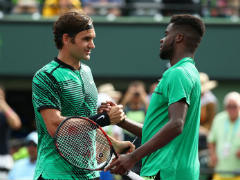 Roger Federer, Stan Wawrinka Advance in Miami Open