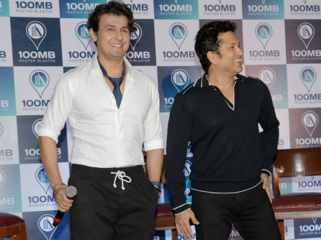 The Secret Behind Sonu Nigam And Sachin Tendulkar's Mysterious Picture