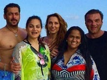 Salman Khan, Iulia Vantur Take Over The Beaches Of Maldives