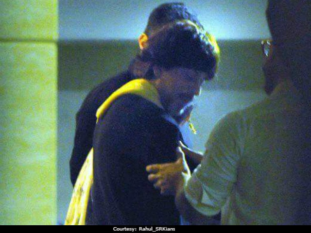 Aamir Khan's Birthday Bash: Shah Rukh Khan And Team Dangal Party Together
