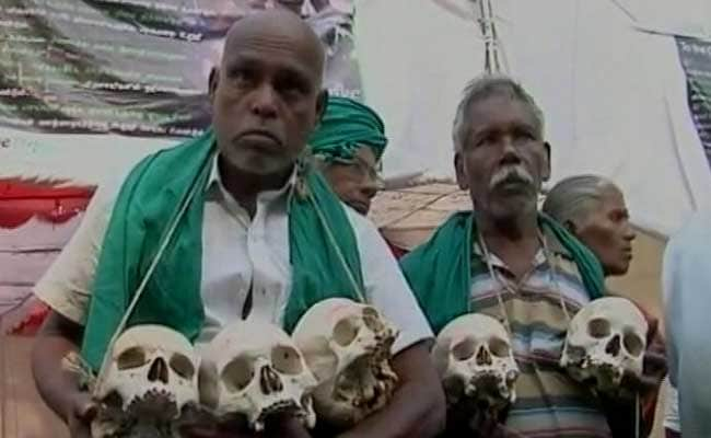 In The Heart of Delhi, A Protest With 12 Skulls
