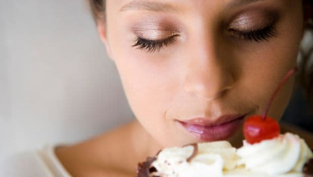 Watch Out! Smelling Food May be Linked With Weight Gain: Experts