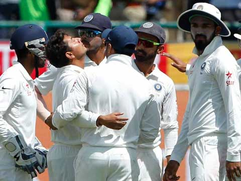 4th Test, Dharamsala: India 0/0 in 1 over vs Australia 300 all out (Smith 111; Kuldeep 4/68) at stumps on Day 1