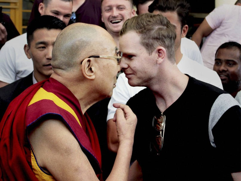 India vs Australia: Steve Smith Rubs Noses With Dalai Lama Ahead of Dharamsala Test