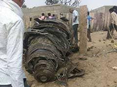 बाड़मेर में सुखोई-30 लड़ाकू विमान क्रैश, दोनों पायलट सुरक्षित, तीन लोग घायल
