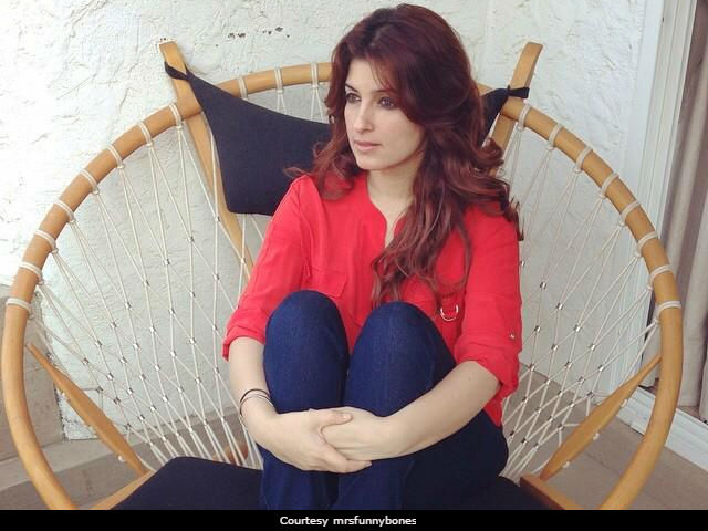Twinkle Khanna 'Consoles' Herself Saying 'Have A Career That Lasts A Lifetime'