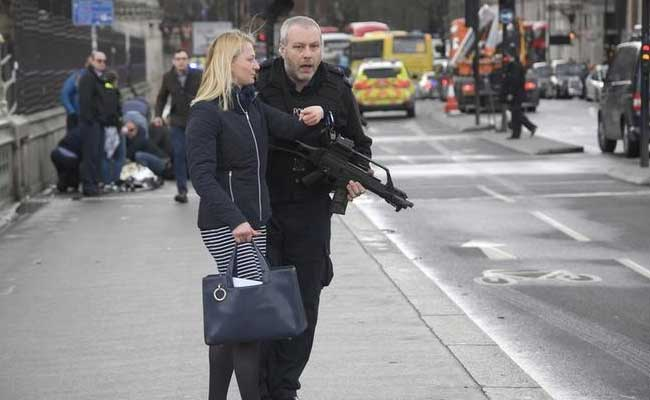 British Police Treat Incident Near Parliament As Terrorism-Related