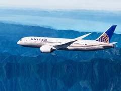 यूनाइटेड एयरलाइन्स ने लेगिंग्स पहनने की वजह से दो युवतियों को विमान में चढ़ने से रोका