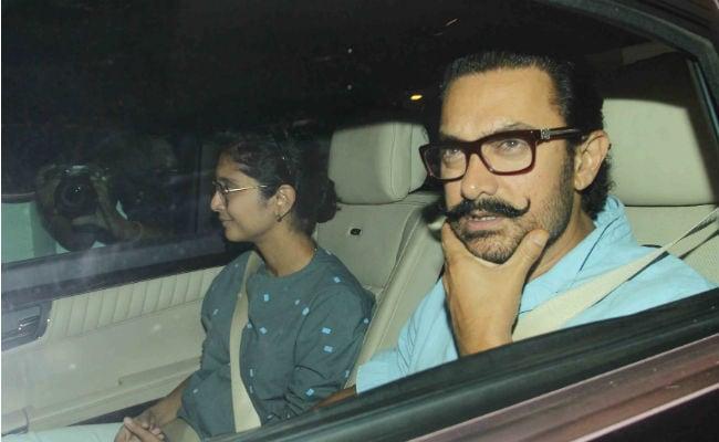 करण जौहर के बच्चों से मिलने पहुंचे आमिर खान और उनकी  पत्नी किरण राव