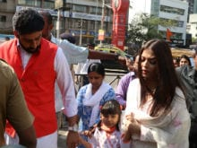 Aishwarya Rai, Abhishek Bachchan Visit Siddhivinayak Temple On 10th Wedding Anniversary