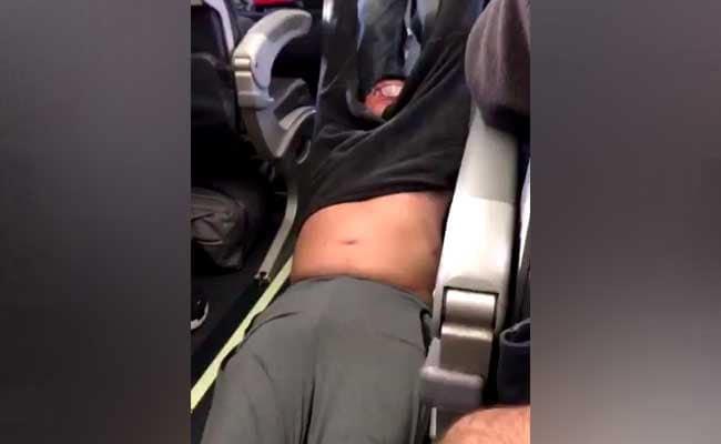 China Internet Outcry Over United Passenger Fiasco