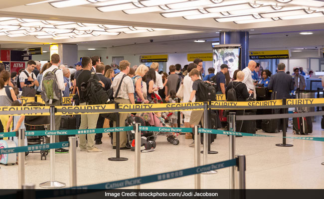 Off-Duty US Policewoman Slips Through Airport Security With Gun