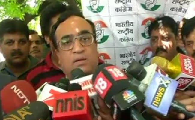 अजय माकन ने AAP को बताया बीजेपी की B टीम, कहा- मोदी और केजरीवाल के बीच मैच फिक्स है