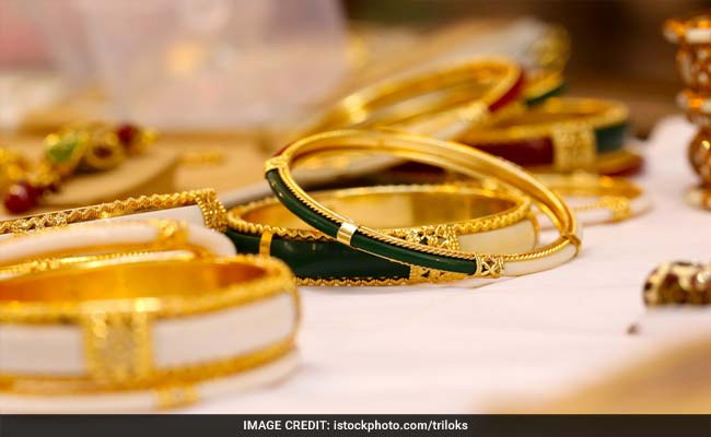 Gold  Jewellery To Cost More; Apparel, Biscuits, Footwear Cheaper Under GST