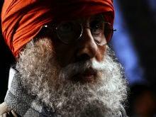 No, Viral Pic Of Amitabh Bachchan Isn't His Thugs Of Hindostan Look