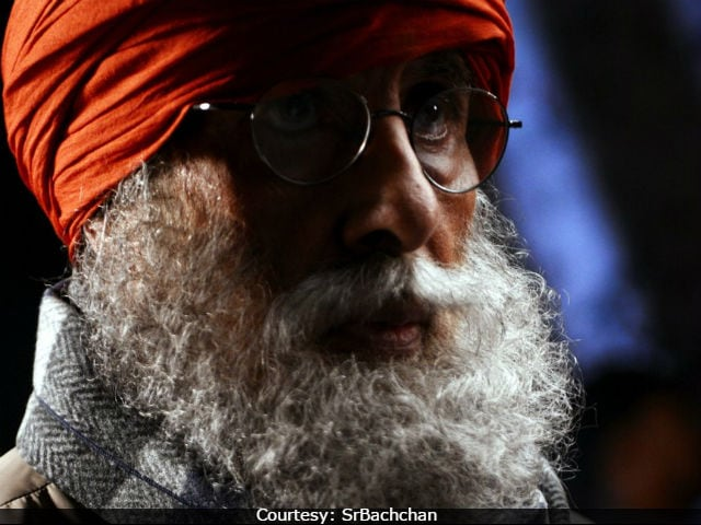 No, Viral Pic Of Amitabh Bachchan Isn't His Thugs Of Hindostan Look