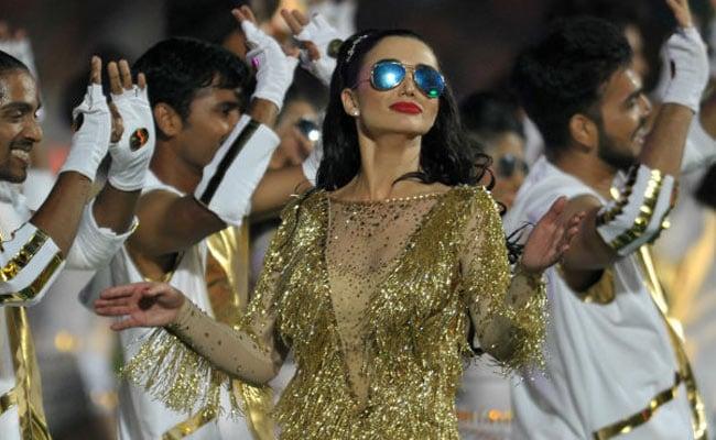 आईपीएल 10: ओपनिंग सेरेमनी में डांस के लिए एमी जैक्सन को जमकर कोसा ट्विटर ने