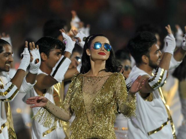 Indian Premier League: Amy Jackson Trolled After Opening Ceremony Performance. Twitter's Verdict - 'Pathetic'