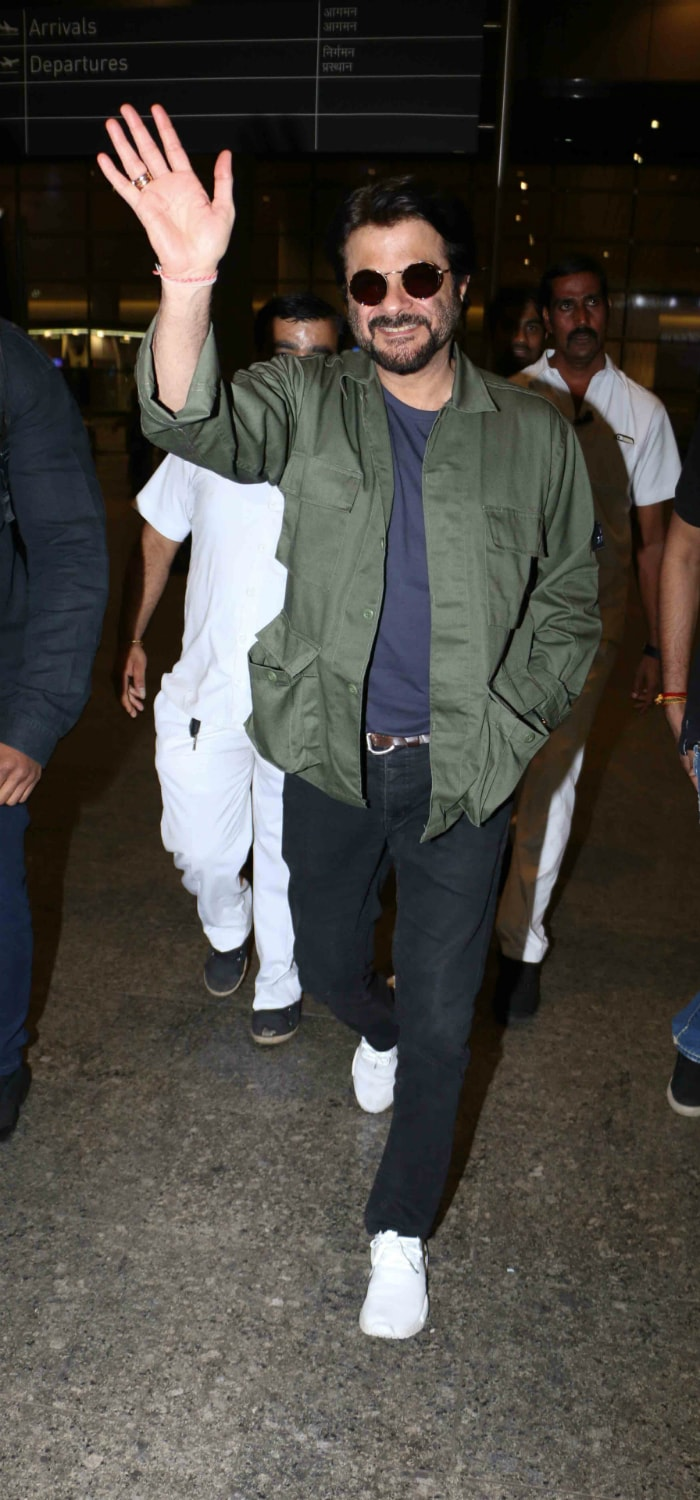 anil kapoor at the mumbai airport