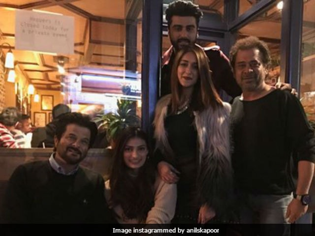 Mubarakan: Anil Kapoor Rejoices With Entire Cast And Crew As Shoot Nears End