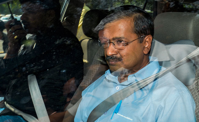 Arvind Kejriwal Flies To Chandigarh To Meet ML Khattar On Delhi Smog