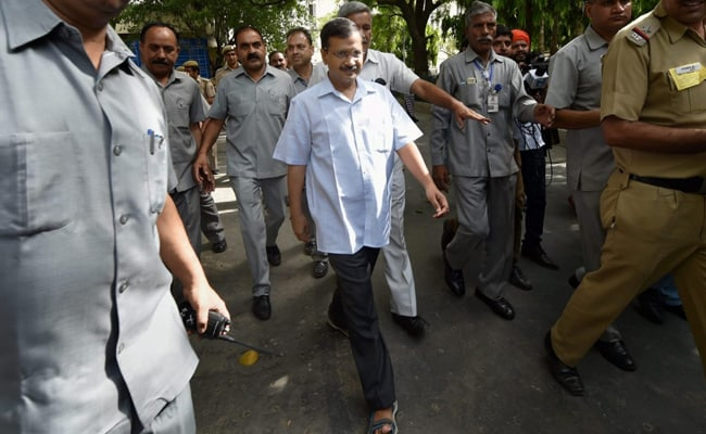 As Some EVMs Falter In MCD Polls, Arvind Kejriwal Targets Election Body
