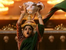 <i>Baahubali 2</i>: Sivagami Actress Ramya Krishnan Is 'Overwhelmed' With The Response