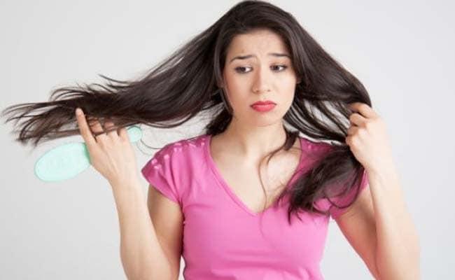 गर्मियों में घने सुनहरे बालों के लिए अपनाएं ये घरेलू उपाय, नहीं होगी समस्या