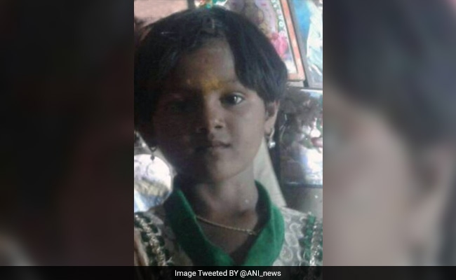 Bid to save Karnataka girl trapped in borewell hits snags