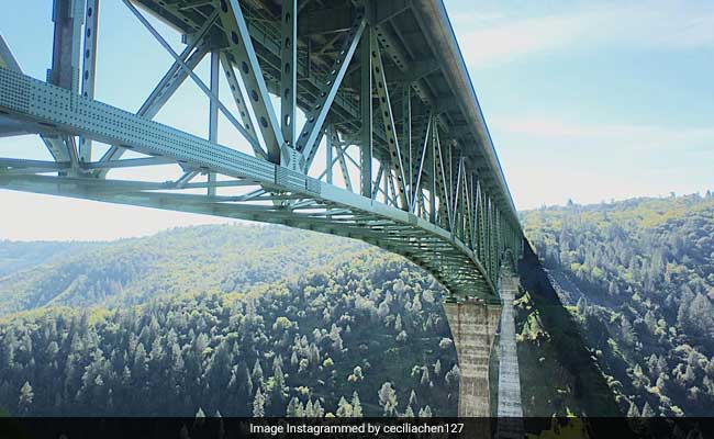 Woman Falls Off Tallest California Bridge While Taking Selfie