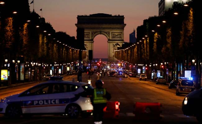 Fears Champs Engulf French Election After Policeman Shot In Paris