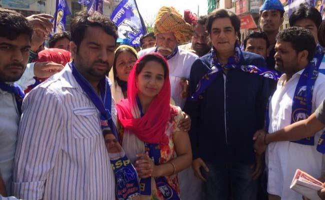सुपरहिट 'माचिस' का वह बिसरा हुआ हीरो अब दिल्ली की गलियों में क्यों दिख रहा है...