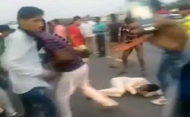 राजस्थान: गाय ले जा रहे कुछ लोगों की गोरक्षकों ने जमकर की पिटाई, 1 की मौत