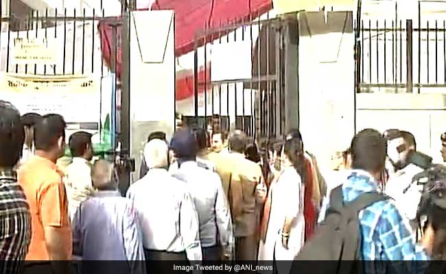 MCD Election 2017: Voting Begins For Delhi Civic Polls