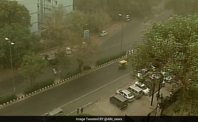 After Hot Saturday Morning, Dust Storm Brings Respite To Delhi